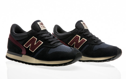 New Balance M770 AEF navy-red