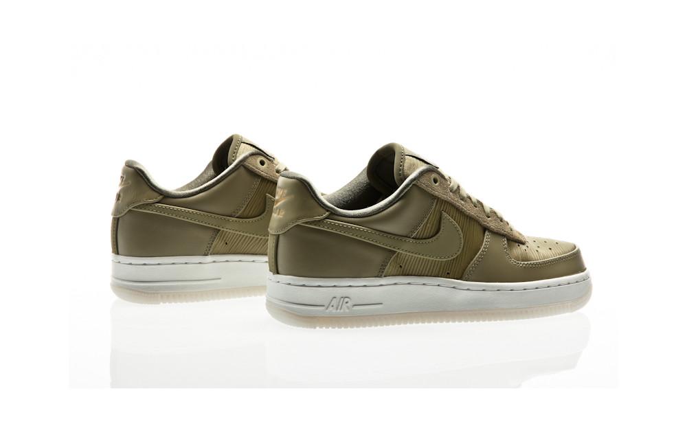 Nike Air Force 1 07 Lux Shoe WMNS 898889 200 green  Orange