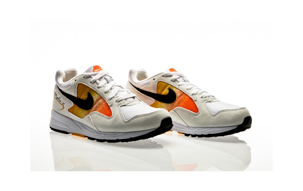 sale retailer b8bf4 d62aa ... Nike Air Skylon II Womens white-black-amarillo-total orange ...