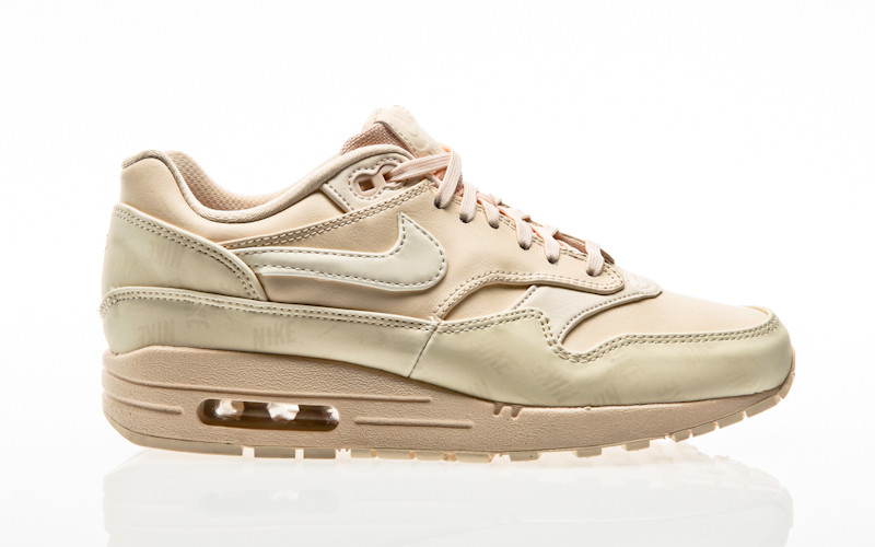 new concept ce059 d1c3e Nike Air Max 1 Lux Shoe Women guava ice