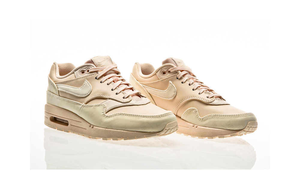 sneakers for cheap 68a25 eb3cc ... Nike Air Max 1 Lux Shoe Women guava ice ...