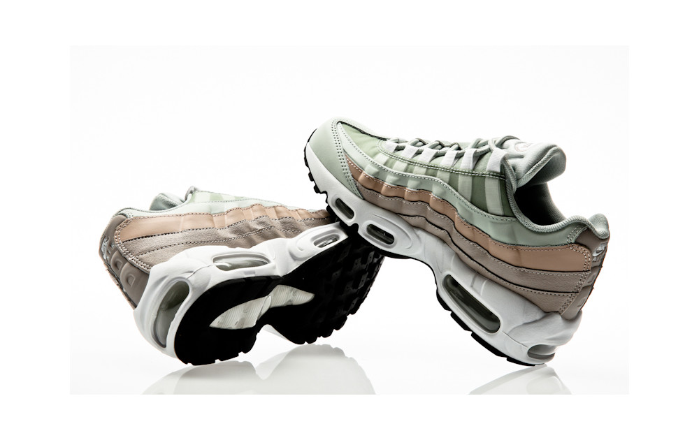 hot sale online e972e 1404e ... Nike Air Max 95 Shoe light silver-white-moon particle ...