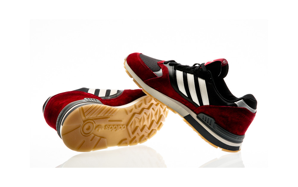 ... adidas Originals Quesence collegiate burgundy-chalk white-core black ... b82029e4b