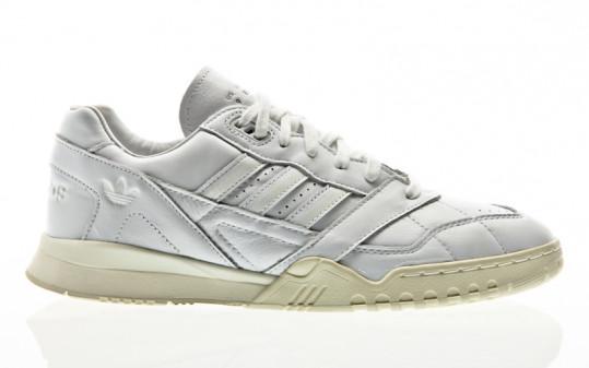 adidas Originals A.R. Trainer footwear white-footwear white-off white