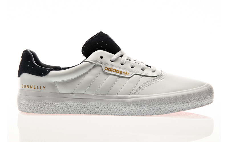 adidas Skateboarding 3MC footwear white-collegiate navy-gold metallic