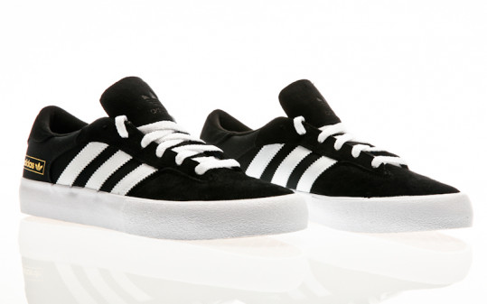 adidas Skateboarding Matchbreak Super core black-footwear white-gold metallic