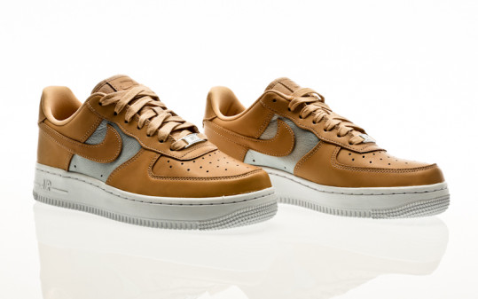 Nike Air Force 1 07 SE Premium bio beige-metallic s