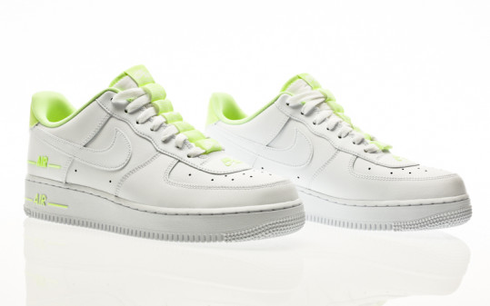 Nike Air Force 1 07 white-white-barely volt