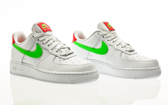 Nike W Air Force 1 07 white-laser crimson-green strike