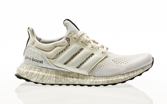 adidas Originals Ultraboost DNA X Star Wars chalk white-footwear white-core black