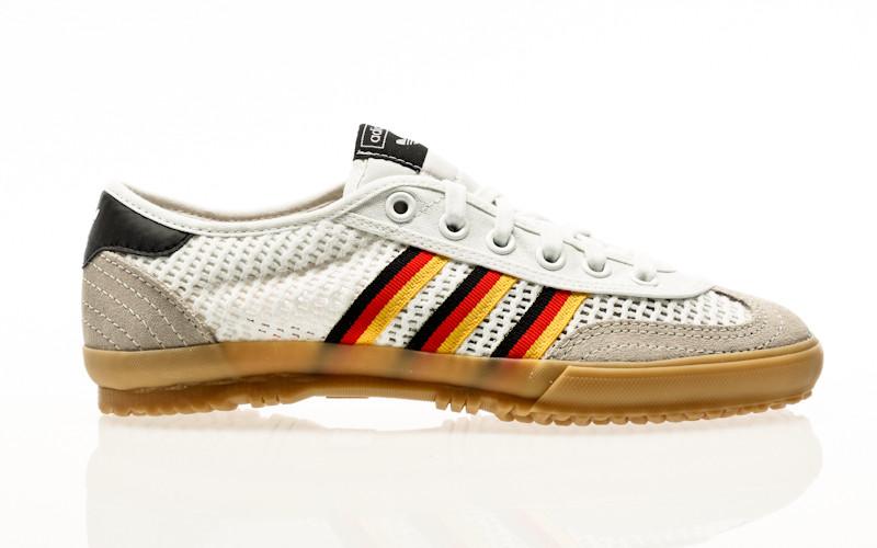 adidas Originals Tischtennis footwear white-lush red-core black