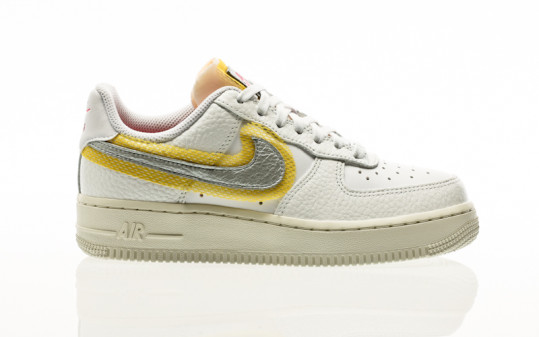 Nike Air Force 1 07 white-metallic silver-university gold