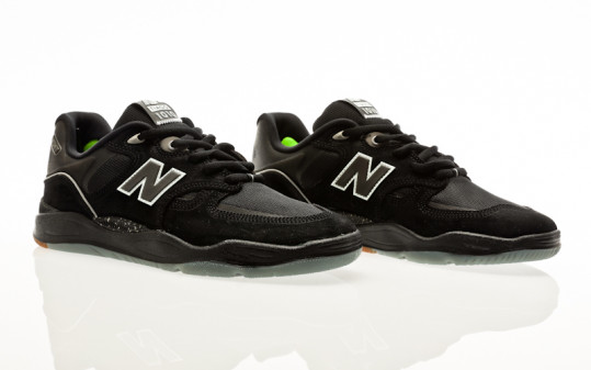 New Balance NM1010 BR black-red