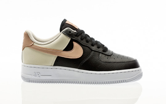 Nike W Air Force 1 07 black-mtlc red bronze-lt orewood brn
