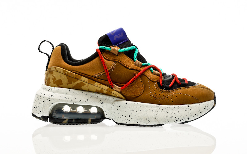 Nike W Air Max Viva black-wheat-indigo burst-habanero red