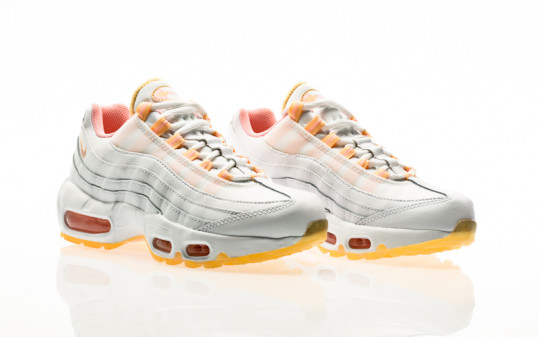 Nike W Air Max 95 white-arctic punch-melon tint