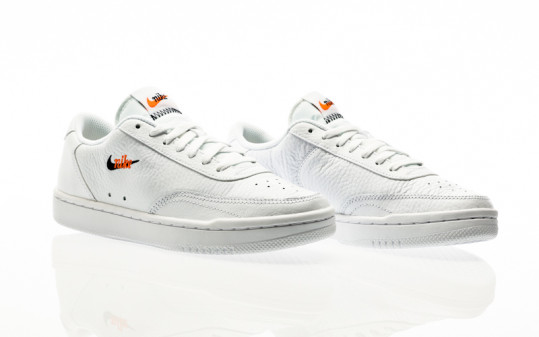 Nike W Court Vintage Premium white-black-total orange