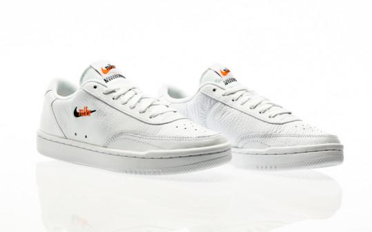 Nike W Court Vintage Premium white-black-total orange
