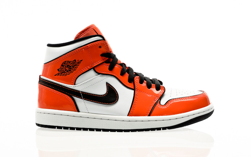 Nike Air Jordan 1 Mid SE turf orange-black-white
