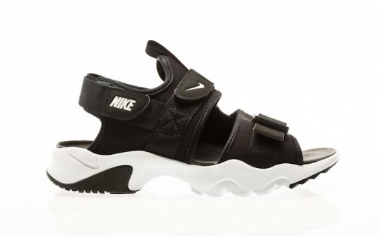 Nike Canyon black-white-black