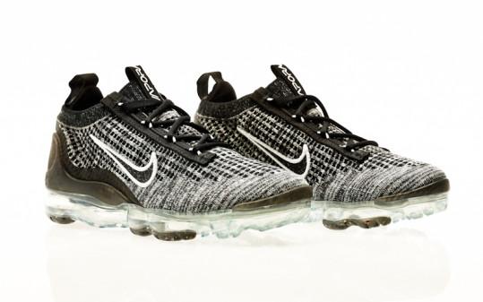 Nike W Air Vapormax 2021 FK black-black-white-metallic silver