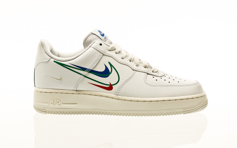 Nike Air Force 1 white-green noise-game royal