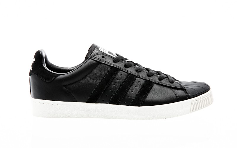 Adidas Men s Superstar Vulc Adv Skate Shoe Black/White/Goldmt 11