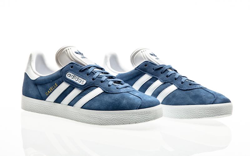 new style 5cd6c 2b730 Adidas originals Gazelle Super essenziali grigio due-ftwr bianco uomini di  cristallo bianco casual CQ2793. Queste scarpe ...
