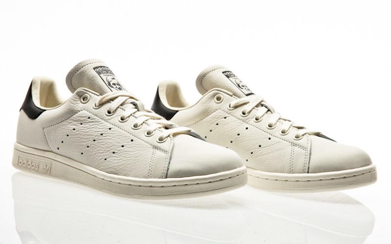 factory authentic a8b94 4ab2f adidas Originals Stan Smith chalk white-chalk white-scarlet Men Casual  B37898